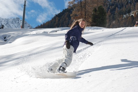 Liesbeth on the snowboard